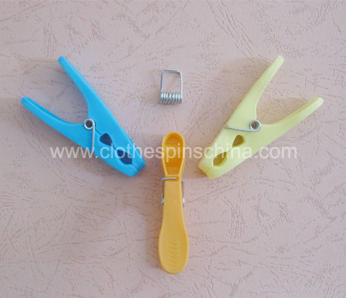 8.5cm Colored Plastic Clothes Pegs